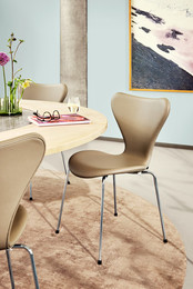 Series 7™ chair - Essential leather